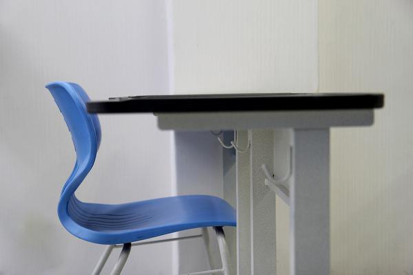 polecany producent krzeseł szkolnych