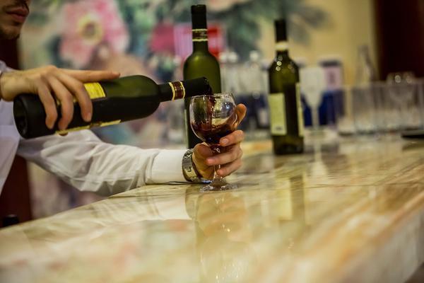 najlepszy-barman-na-wesele-w-warszawie.jpg