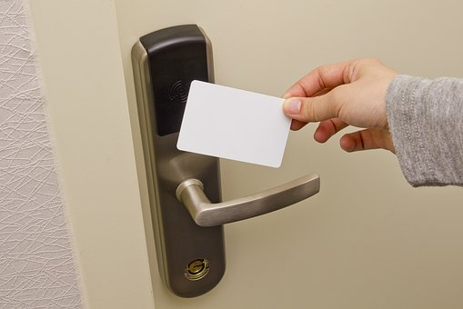 profesjonalny system kontroli dostępu do pomieszczeń