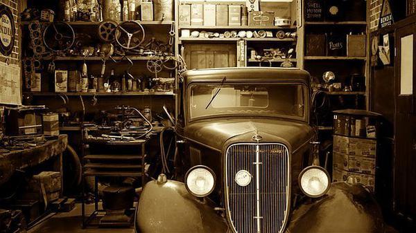 zamki do drzwi garażowych