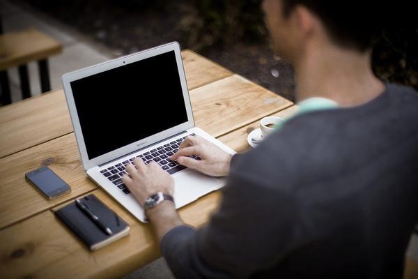 polecany-serwis-laptopow-w-warszawie.jpg